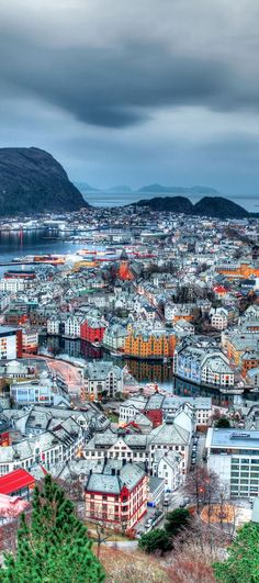 Alesund, Norway! Whether you travel to Norway in the summer or winter you are sure to have an amazing time! Enjoy 20 incredible photos of Norway! Fjords | Flam | | Bergen | Nature | Waterfalls