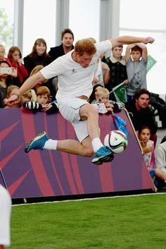 Look at Prince Harry go!