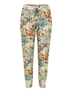 Paul by Paul Smith – womens calf length jersey sweatpants with this season's Surrealist Collage floral print. The sweatpants also feature an adjustable drawstring waist, tapered slim leg, front quarter pockets and a single rear patch pocket. £165 at Coggles.com