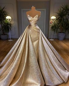 Pretty Prom Dresses, Glam Dresses, Ball Gown Dresses, Cute Dresses, Beautiful Dresses, Fashion Dresses, Dress Up, Wedding Dresses, Formal Evening Dresses