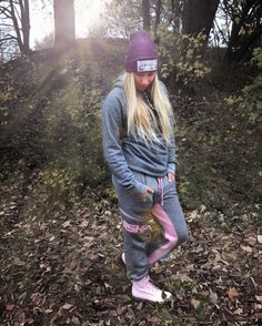 Stay warm on these cold days with our Hooded KROON and the Pant SUNDAD like our #SHISHAHero @janina_zeitler  #ThanksForThePic #SHISHAClothing #DUDISM  #surf #surfing #eisbach #eisbachwelle #eisbachsurfer #riversurfen #WeLoveQuality #Clothing #MadeInEurope #with #passion #unique #design #sustainable #happy #fashion #for #spring #summer #autumn #winter #beach #life #style #friends #nature  Hooded KROON BlackWaveMelange 5990   Pant SUNDAG BackWaveMelange 6990  http://ift.tt/2hnbhIg