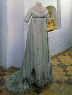 Dress made from white muslin with belt, 1790s, Russia