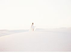 White Sands Bridal Desert Shoot by Lindsey Zamora and Naomi Pak, photo: Heather Hawkins Photography