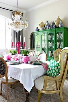 Easter Table  ||  Spring Tablescape  ||  Colorful Dining Room  ||  Dimples and Tangles