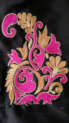 This Pin was discovered by Mad Hand Embroidery Dress, Embroidery Suits, Hand Embroidery Designs, Floral Embroidery, Embroidery Patterns, Corset Sewing Pattern, Bordado Floral, Maggam Work Designs, Textile Pattern Design