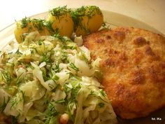 Kotlet schabowy z młodą kapustą i z ziemniakami - Pork chop with young cabbage and potatoes - the most typical Polish dish. The traditional sound in Polish homes on Sunday mornings is the pork chops being pounded out ; Cabbage And Potatoes, Polish Recipes, Polish Food, Pork Chops, Broccoli, Cauliflower, Dinner Recipes, Food And Drink, Favorite Recipes