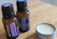 Les huiles essentielles sont le compagnon idéal de votre cheminvers la perte depoids. Avec leurs effets de stimulation du métabolisme, de réduction de l'appétit, d'amélioration de l'humeur, combinés avec une alimentation saine et un plan d'exercices, vous trouverez la recette parfaite pour réussir. Huile essentielle de pamplemousse – Excellente pour stimuler l'énergie, prévenir la rétention …