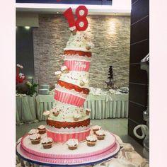 Mega Cup Cake - Torta Compleanno 18 Anni - La Fenice Pasticceria