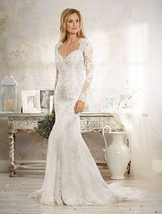 Alfred Angelo Modern Vintage Style 8552