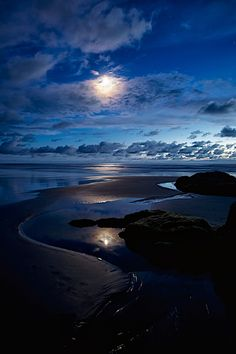 Blue Moon by Travis White, via 500px