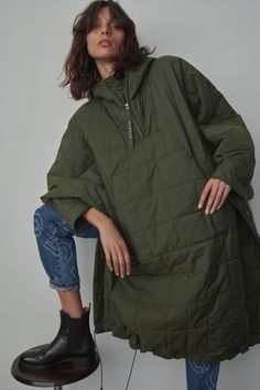 Leather Trench Coat, Parka Coat, Sport Fashion, Fashion Outfits, Womens Fashion, Cool Coats, Dress With Sneakers, Dressy Dresses, High Collar