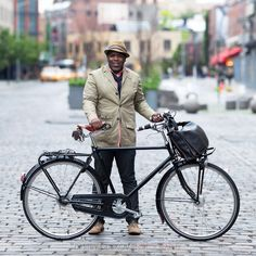This is Shawn Drayton, founder of OSLOH jeans, with his Velorbis bicycle.I was recently on assignment to shoot a bike portrait of Shawn for a profile in