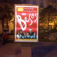 Publicidad mupi Valencia - BESOS