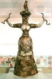 Dea dei serpenti, ca 1700-1600 a. C. Dal palazzo di Cnosso. Irakilon museo archeologico