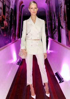 #KarolinaKurkova in a white pinstripe #SalvatoreFerragamo suit