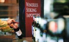Las bodegas de Ribera del Duero refuerzan su presencia en Canadá con nuevas presentaciones de vinos http://www.vinetur.com/2013021811563/las-bodegas-de-ribera-del-duero-refuerzan-su-presencia-en-canada-con-nuevas-presentaciones-de-vinos.html