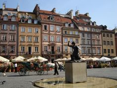 Warsaw old town, Warsaw, Poland #travel #poland