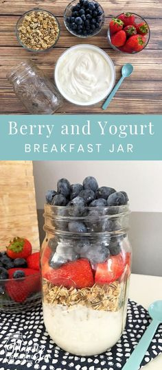 you need Mason jar ideas that can help you save time and eat healthier? How about starting your day with this nutritious and delicious Berry and Yogurt Breakfast in a Jar? It takes just minutes to whip up this Mason jar breakfast recipe, s Mason Jar Breakfast, Mason Jar Lunch, Yogurt Breakfast, Mason Jar Meals, Meals In A Jar, Health Breakfast, Mason Jar Crafts, Mason Jar Diy, Breakfast Recipes