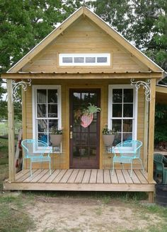 14 Beautiful DIY She Shed Ideas That Everyone Can Build shed design shed diy shed ideas shed organization shed plans Backyard Sheds, Backyard Retreat, Outdoor Sheds, Garden Sheds, Backyard Cottage, Ponds Backyard, Outdoor Rooms, Shed Office, Shed With Porch