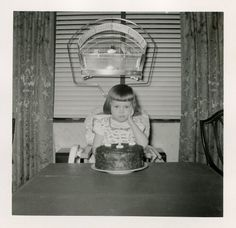 Living in a Retro World : Photo It's Your Birthday, Happy Birthday Wishes, Birthday Greetings, Birthday Cards, Pink Birthday, Birthday Pictures, Birthday Images, Pet Bird Cage, Kawaii Doodles