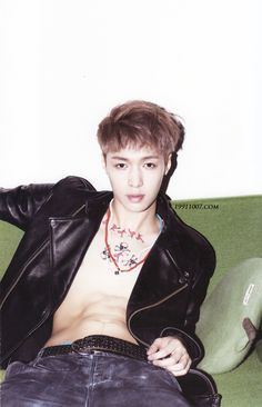 EXO Lay!! I....can't....breathe...anymore..... !!!!!!!!