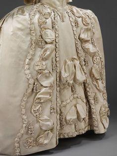 18th century fashion women   Detail front view, court dress à la Francaise (sack back gown ...