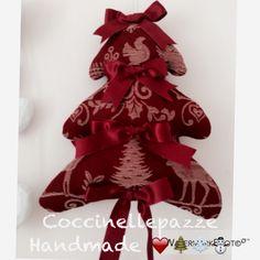 Red Christmas  tree. Fuori porta laverò di Natale per info ninitell.p@gmail.com