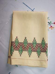 Vintage Linen Tea Towel Embroidered Stitched Hand Towel