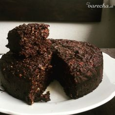 Karobový koláč - recept | Varecha.sk Brownies, Health, Sweet, Recipes, Food, Fitness, Cake Brownies, Candy, Health Care