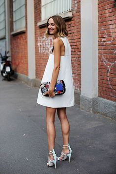 The Sartorialist - Street Style - Love! The Sartorialist, Cheap Summer Outfits, Summer Dresses, Fashion Week, Look Fashion, Net Fashion, Mode Cool, Inspiration Mode, Mode Outfits