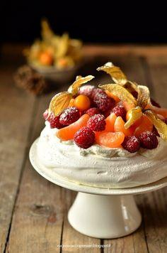 Pavlova con frutta fresca | Cucina Scacciapensieri
