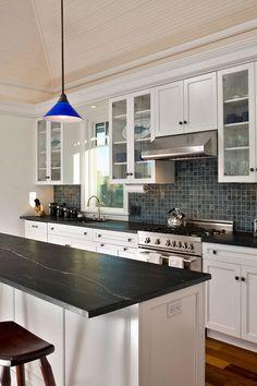 White Cabinets White Countertops, Black Kitchen Countertops, White Kitchen Cabinets, Kitchen Tiles, Countertop Backsplash, Backsplash Ideas, Kitchen White, Dark Granite Kitchen, Black Countertops White Cabinets
