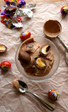 Cadbury Creme Egg Ice Cream {No-Churn, No Machine Recipe} Dairy Free Ice Cream, Vegan Ice Cream, No Churn Ice Cream, Creme Egg, Frozen Treats, Coconut Milk, Eggs, Chocolate, Puddings