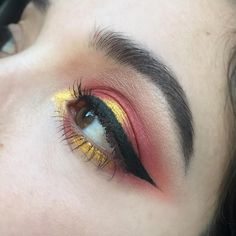 sydney is friggin makeup goals i cri