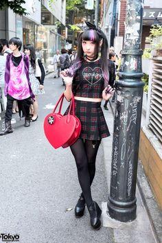 "tokyo-fashion: ""Always-sweet Tokyo-based model RinRin Doll on the street in Harajuku wearing a cute look by the brand "" Tokyo Street Fashion, Tokyo Street Style, Japan Fashion, London Street, Nu Goth, Grunge Goth, Grunge Style, Soft Grunge, Harajuku Girls"