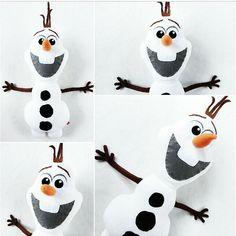 Do you wanna hug a snowman? SALE Handmade Plush Stuffed Toy Disney Frozen OLAF the Snowman Custom Orders Accepted by ticklesbytaylor Disney Frozen Olaf, Olaf Party, Frozen Birthday Party, Biscuit, Olaf Snowman, Party Giveaways, Disney Movie Characters, Disney Plush, Plush Pattern