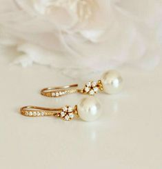 Vintage Style Elegant Gold Bridal Earrings Cream Pearl Earrings Gold Wedding Earrings Bridesmaid Gift Pearl Drop Earrings Bridal Party Gifts Made with: * Swarovski crystal pearls. Gold Bridal Earrings, Bridesmaid Earrings, Pearl Drop Earrings, Wedding Earrings, Wedding Jewelry, Gold Wedding, Bridesmaid Gifts, Silver Earrings, Vintage Bridal Jewellery