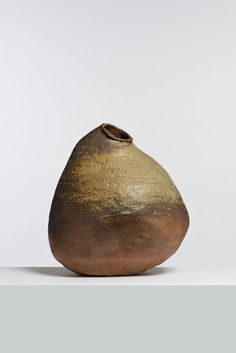 Elisabeth Joulia sandstone vase. gorgeous.