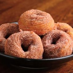 Chocolate-Stuffed Churro Donuts! Easy Desserts, Delicious Desserts, Dessert Recipes, Yummy Food, Cake Recipes, Tasty Food Recipes, Healthy Desserts, Creative Desserts, Snacks Recipes