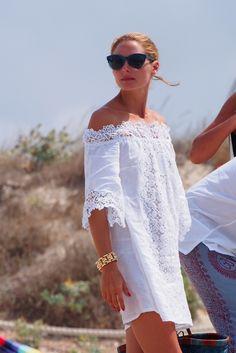 The eternal vacation Olivia Palermo - Zeleb.mx The eternal vacation Olivia Palermo - Zeleb. Estilo Olivia Palermo, White Fashion, Look Fashion, Womens Fashion, Fashion Tips, Dress Fashion, Boho Chic, Boho Style, Bohemian Schick