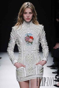 a5aff74e 15 Best BALMAIN BEAD FASHION images | Couture, Fall winter, Fashion Show