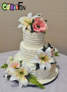 Star Lilly Wedding Cake by Cakes For Fun - http://cakesdecor.com/cakes/304974-star-lilly-wedding-cake
