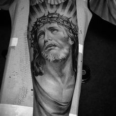 A look at an other #jesus I did this earlier this year. #THESHOW #lilbtattoo #d9reserve @ser_theshow @niko_theshow