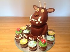 Made for a little girl who loves the Gruffalo, body and head made from sponge cake, feet made with RCT, with matching cupcakes Gruffalo Party, The Gruffalo, Sponge Cake, Gingerbread Cookies, Little Girls, Cupcakes, Crafty, Creative, Desserts