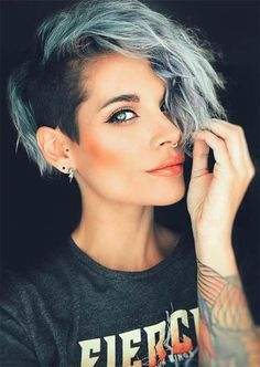48 Stylish Undercut Women Hair Ideas Undercut women hair styles are super daring, and that is why not every babe can pull one off. But if you are an artistic person or a tomboy we are sure that you can sport an undercut. See the trendiest undercuts here. Short Hair Undercut, Undercut Women, Short Hairstyles For Thick Hair, Short Pixie Haircuts, Pixie Hairstyles, Curly Hair Styles, Natural Hair Styles, Asymmetrical Hairstyles, Nape Undercut