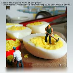 Miniature HO scale people figure photos by Diminutive Citizens on Flickr......