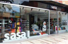 Sasa: tienda especializada en regalos, accesorios y complementos para mujeres, hombres y niños. Lo 92