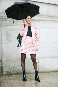Balance the texture on colorful separates with an all-black base. The black tee, tights, and patent boots give this pink jacket and skirt an extra pop. Fall Outfits 2018, Fall Outfits For Teen Girls, Winter Outfits For Work, Casual Fall Outfits, Boho Outfits, Fashion Outfits, Fashion 2015, Xavier Rudd, Black Tights Outfit