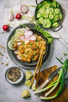 Sesame peanut Noodles with Crispy Tofu #veganrecipe #vegetariandinner #sidedish #healthyeating