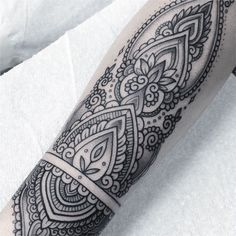 """2,168 Likes, 12 Comments - Flo Nuttall (@flonuttall) on Instagram: """"Details •• henna style"""""""